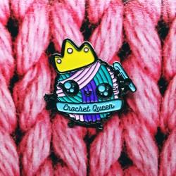 Crochet Queen - przypinka