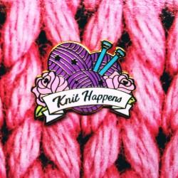 Knit Happens - przypinka